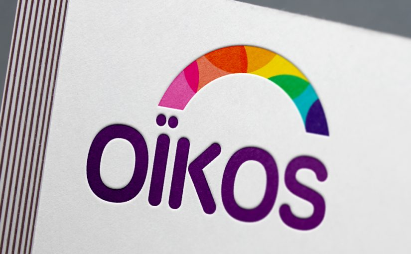Mockup du logo Oïkos